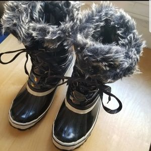 Sporto Duck Boots Mid Calf Tie Up Size 9.5 NWOT